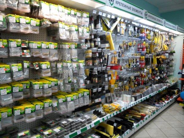 Снабжение различных предприятий электротоварами, инструментом и крепежем