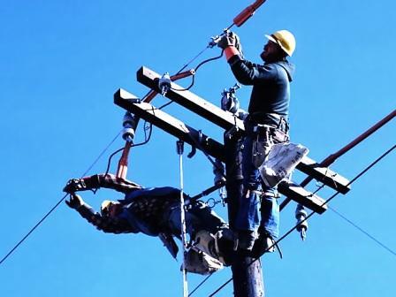 Строительство опор и натяжение кабеля по ним